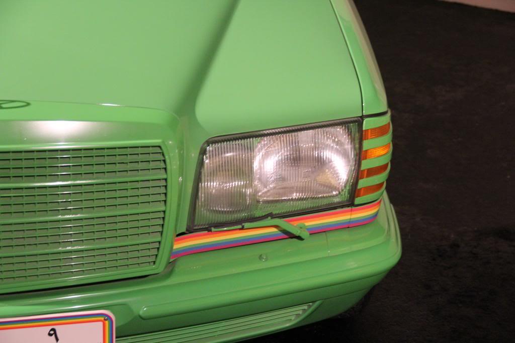 """(HISTÓRIA): Emirates National Auto Museum - Coleção de W126 (500SEL) """"Diferentes"""" IMG_2602_zps3fbae783"""