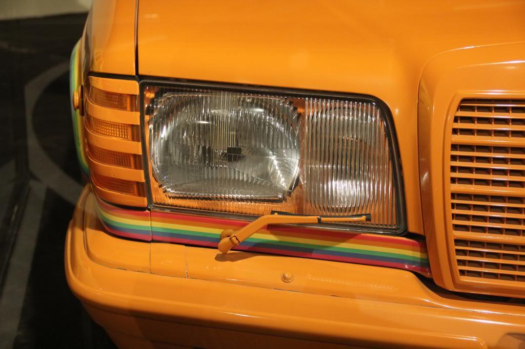 """(HISTÓRIA): Emirates National Auto Museum - Coleção de W126 (500SEL) """"Diferentes"""" IMG_2604_zps004a3b32"""