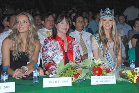 Official Thread of Miss World 2006 - Tatana Kucharova (Czech Republic) - Page 2 5-2