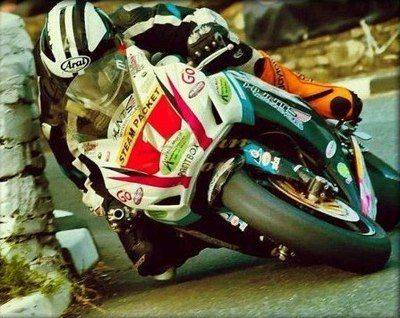 Making the Power-5 Michael%20dunlop%20on%20the%20island_zpsrei5y76f