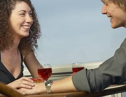كيفية بناء علاقات و صداقات ناجحة 1116-brush-his-arm_li