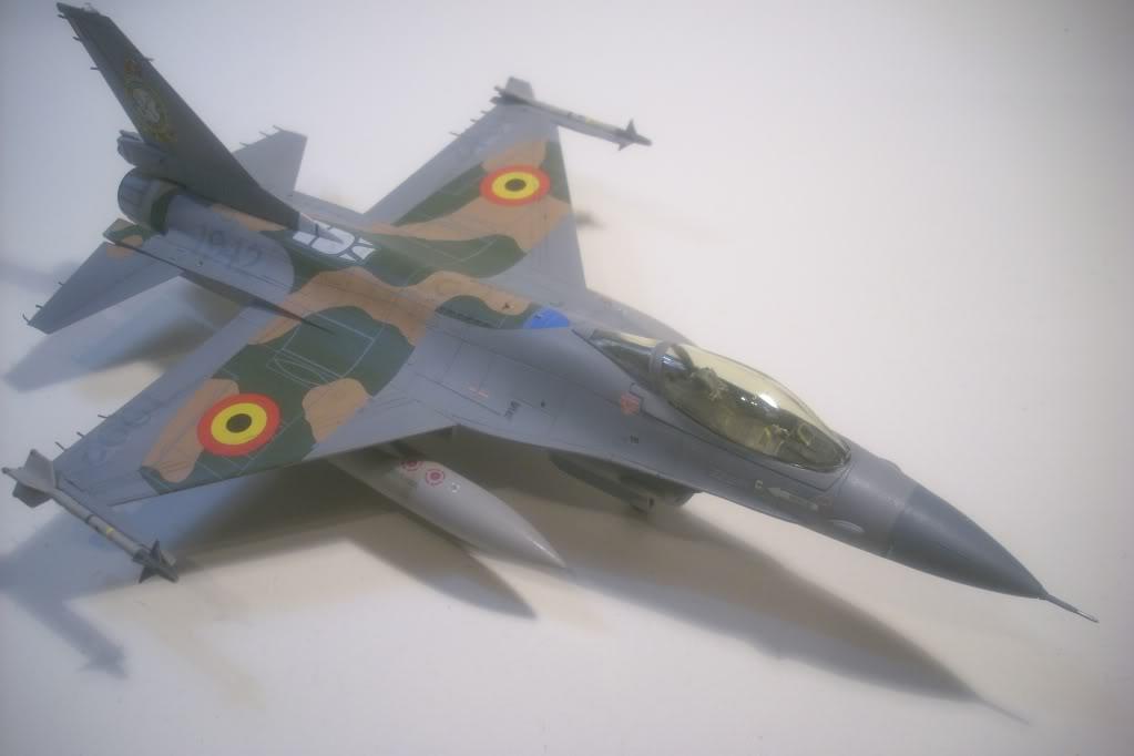 F-16 A 1/72 Revell - Página 2 DSCI0111