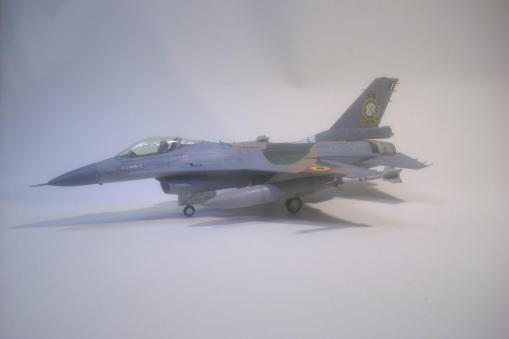F-16 A 1/72 Revell - Página 2 DSCI0139