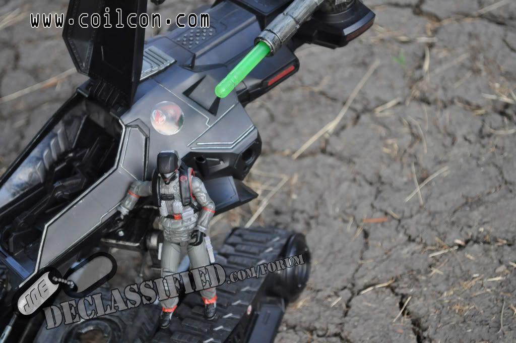 STEEL BRIGADE DELTA (VAMP 2011 DRIVER) and AIR-VIPER (RENEGADES VTOL BLACK DRAGON PILOT) DSC_0094