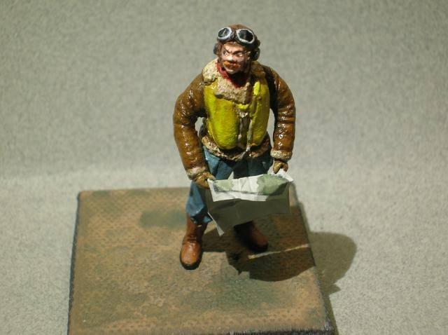 Pilote RAF WW2, 54 mm, sculpture, tirage résine et peinture. Final1_zps6b1f17df