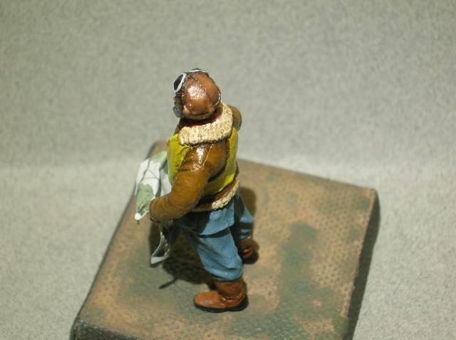 Pilote RAF WW2, 54 mm, sculpture, tirage résine et peinture. Final9_zps7dc221a2