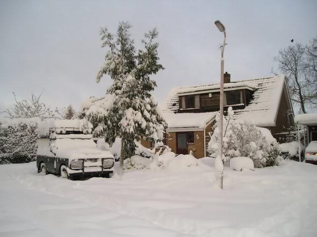last months snow 154801_1549446893627_1158737749_31260152_4482885_n