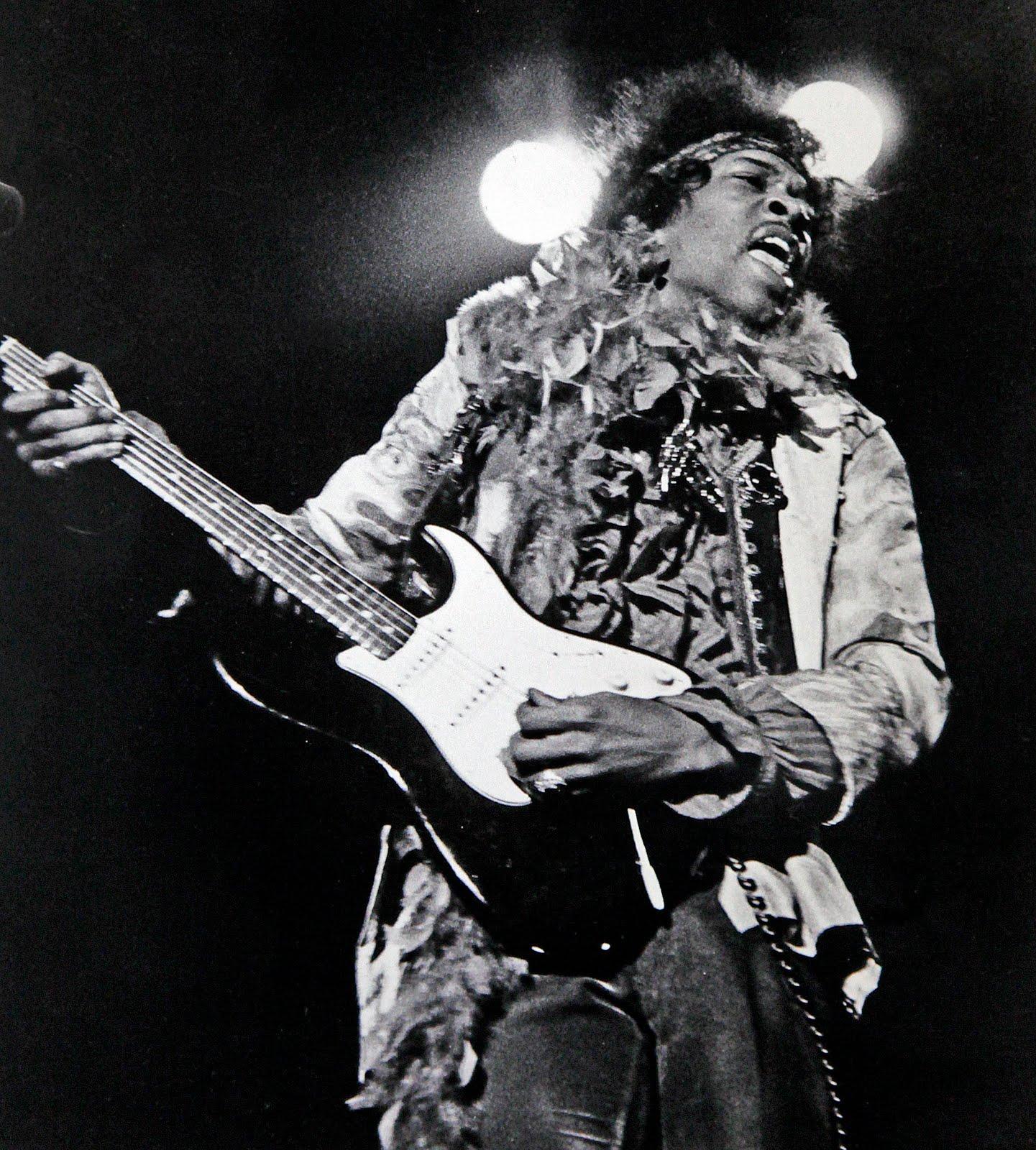 Live At Monterey (2007) 5384ef3eb9b0598498a8852d9f6fb772