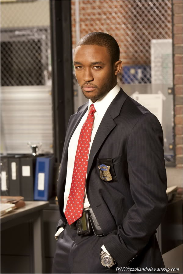 Barry Frost (Lee Thompson Young) S1_030