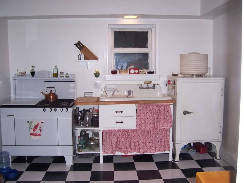 House Renovation...back to the 30s. - Page 3 000_1125