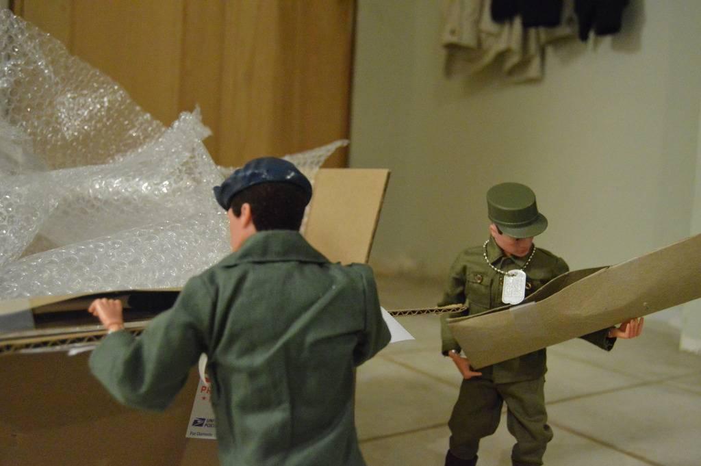 Package Arrives at AYHQ DSC_0007_zpser6j2gvm