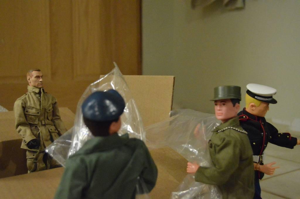 Package Arrives at AYHQ DSC_0017_zps24l7q1hn