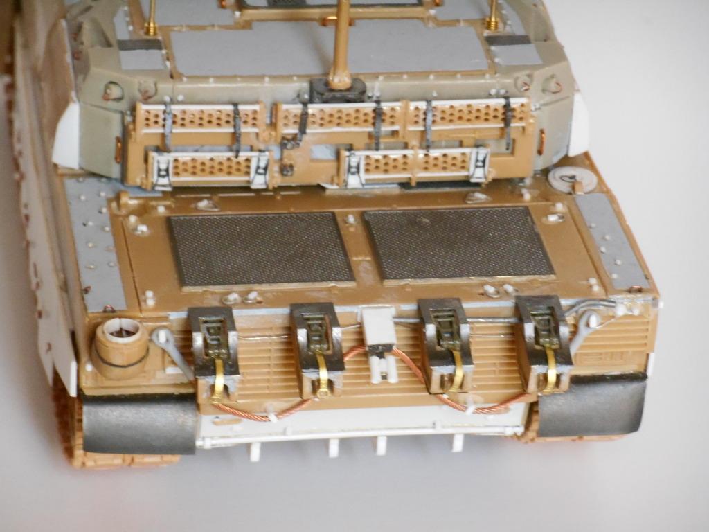 1/35 LECLERC T3 BRULOOZ (sur base Heller) DSCN1726_zpszmsdl6bv