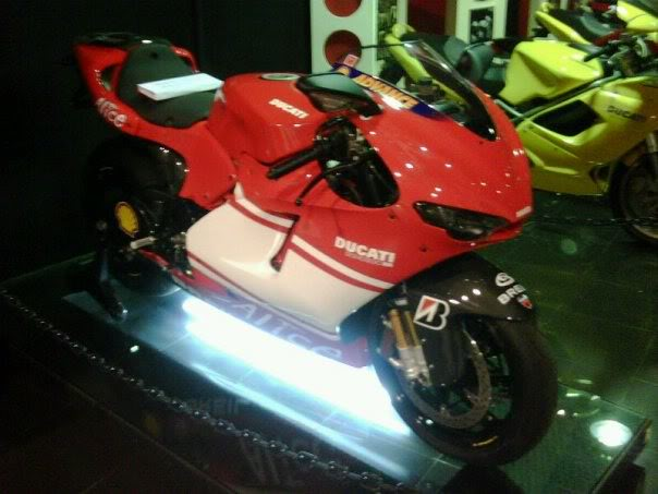 Ducati Monster DIESEL EDITION sangar abisss Untitled
