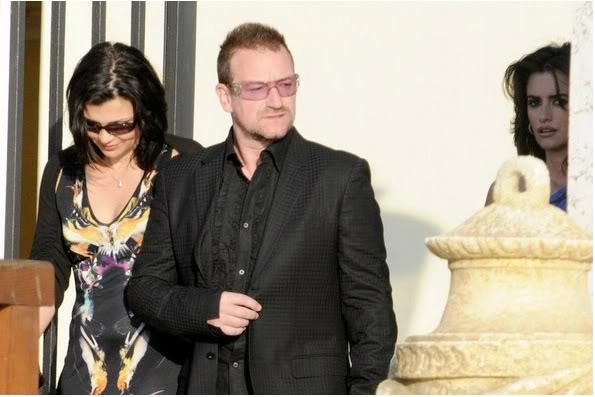 Bono, dressed up like a car crash? - Pagina 2 Bonosstalker