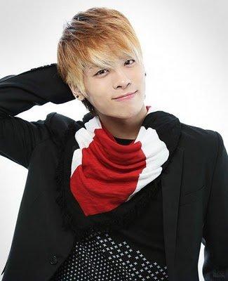 Ídolos del kpop con cabello rubio Jonghyun
