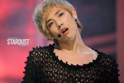Ídolos del kpop con cabello rubio Leejoon