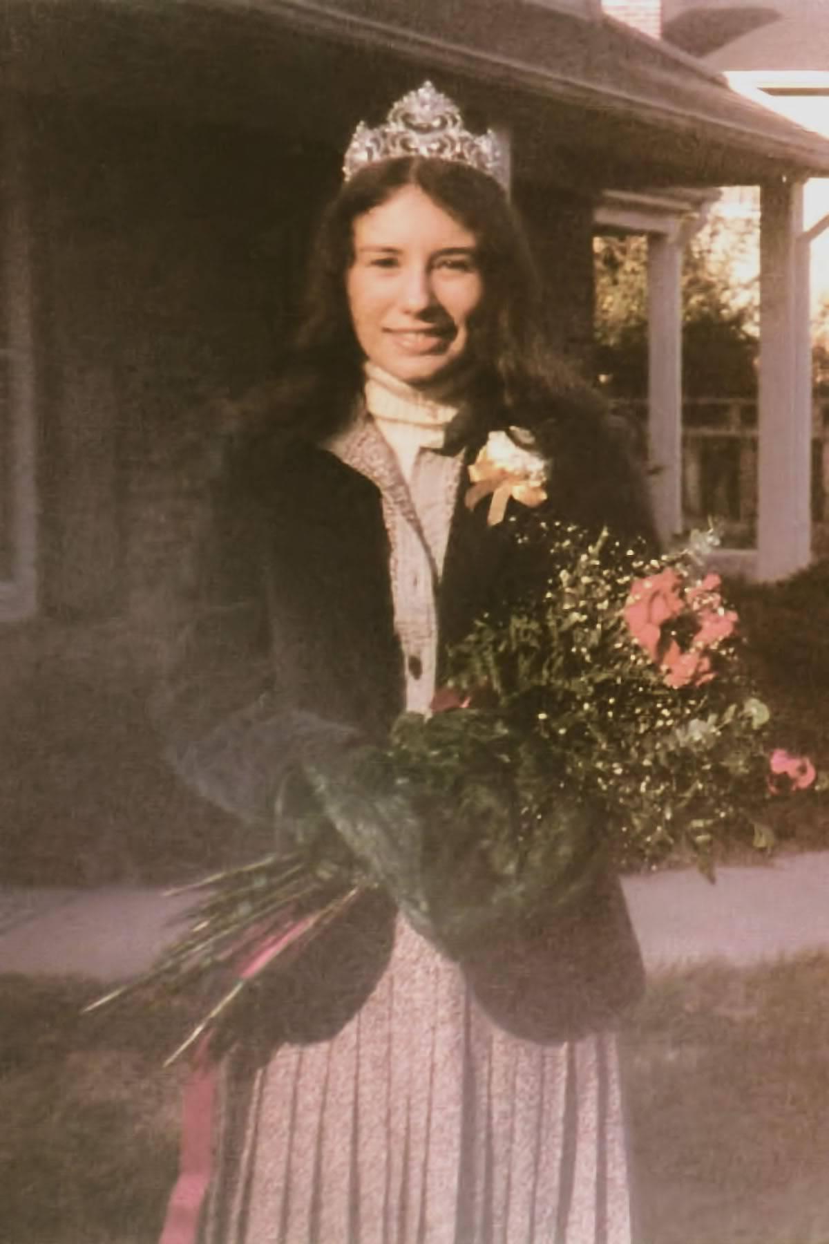 Ellen (Tori) Amos Yearbook Photos Ee48c2f8