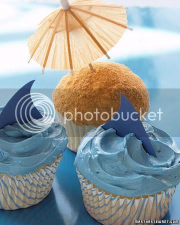 West Coast Cacher's Beach Bash & BBQ Event 0306_kids_sharkcupcake_xl