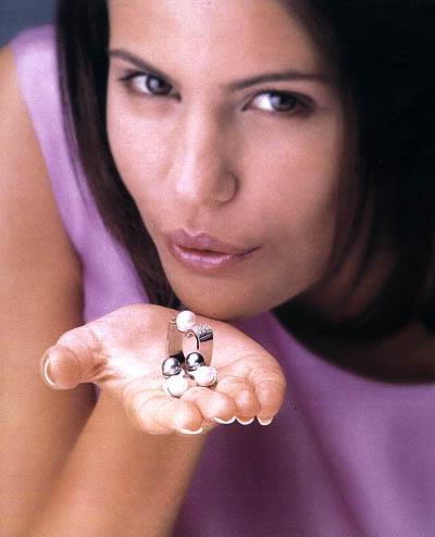 Diana Nogueira MISS UNIVERSE 1999  (2nd runner-up)  Dnog2