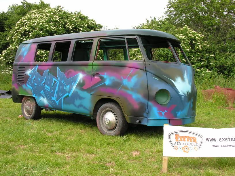 1965 split bus with a difference Bvf06027