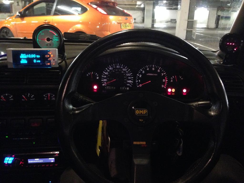 Momo 350mm steering wheel 2B772685-CEC8-4CCB-826E-DEB0C50DFF9F_zpszpsahv1n