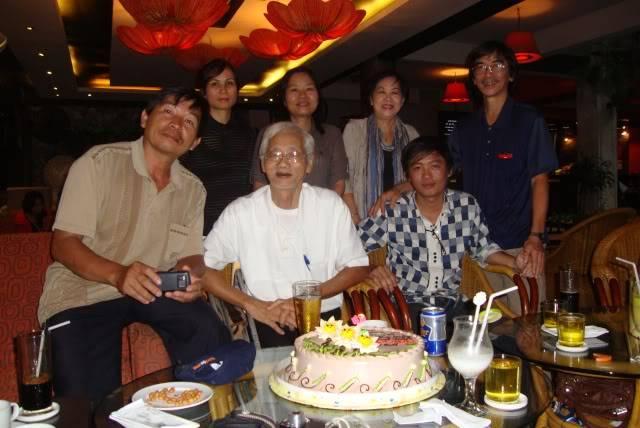 Vài tấm hình họp mặt HN năm 2011 Nguyen