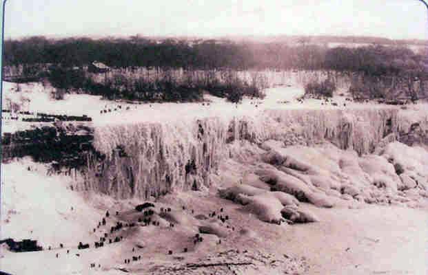 Thác Niagara đóng thành băng Niagara-falls-frozen-over-bottom-and-top1