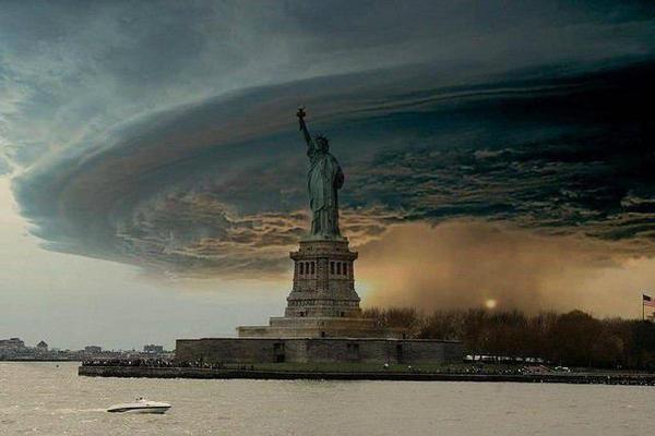 Cơn bão Sandy và New York Statue_of_liberty