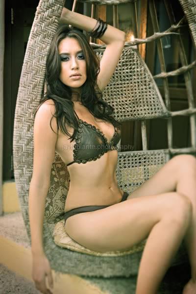 Jessica Trisko on Maxim Jessica091ui3