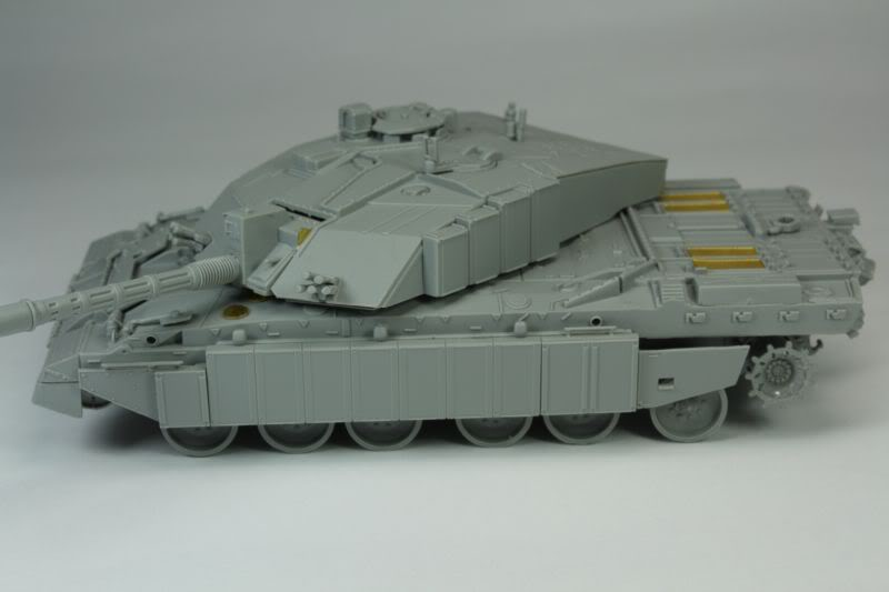 Challenger 2 w/Bar Armour Image003