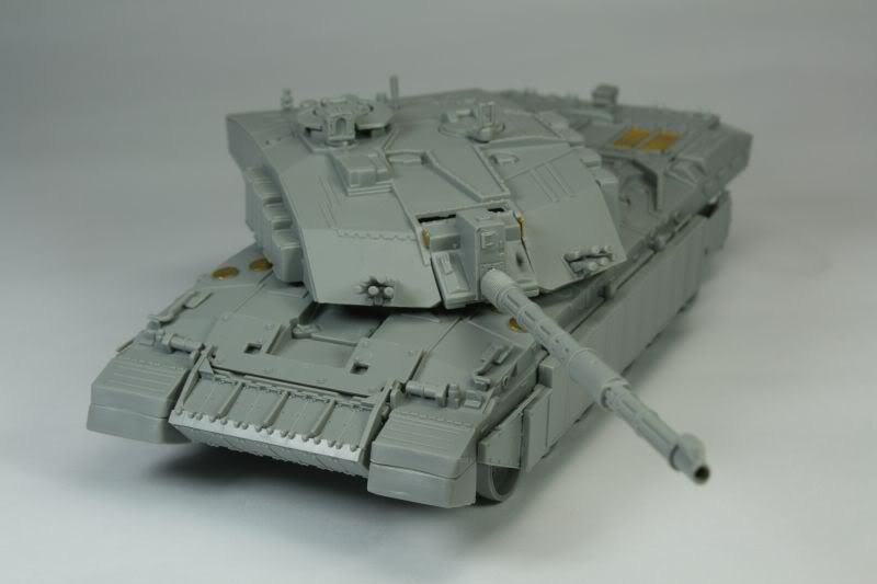 Challenger 2 w/Bar Armour Image004