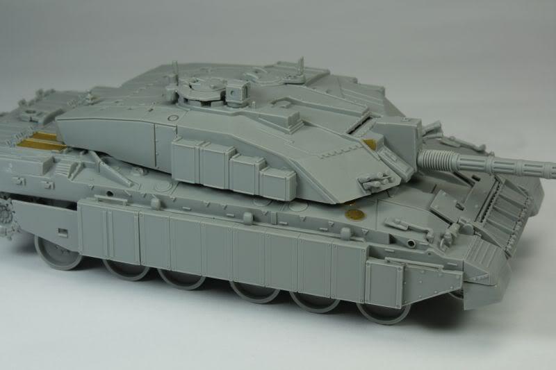 Challenger 2 w/Bar Armour Image006