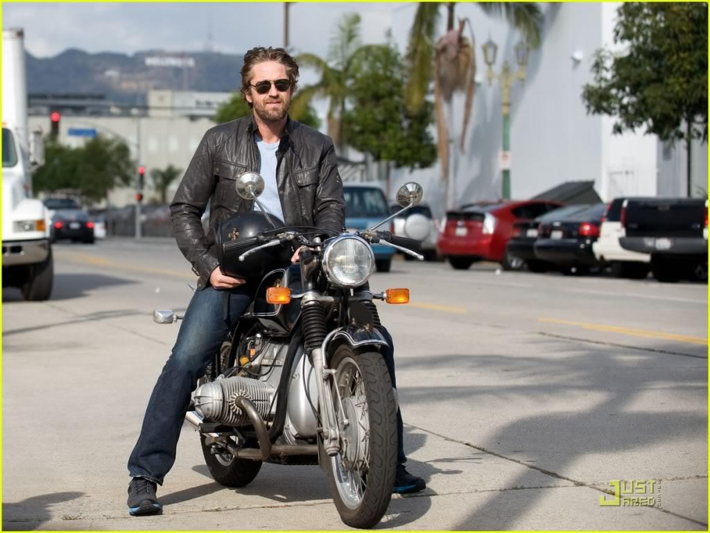 Gerard Butler: Motorcycle Man Gerard-butler-motorcycle-03