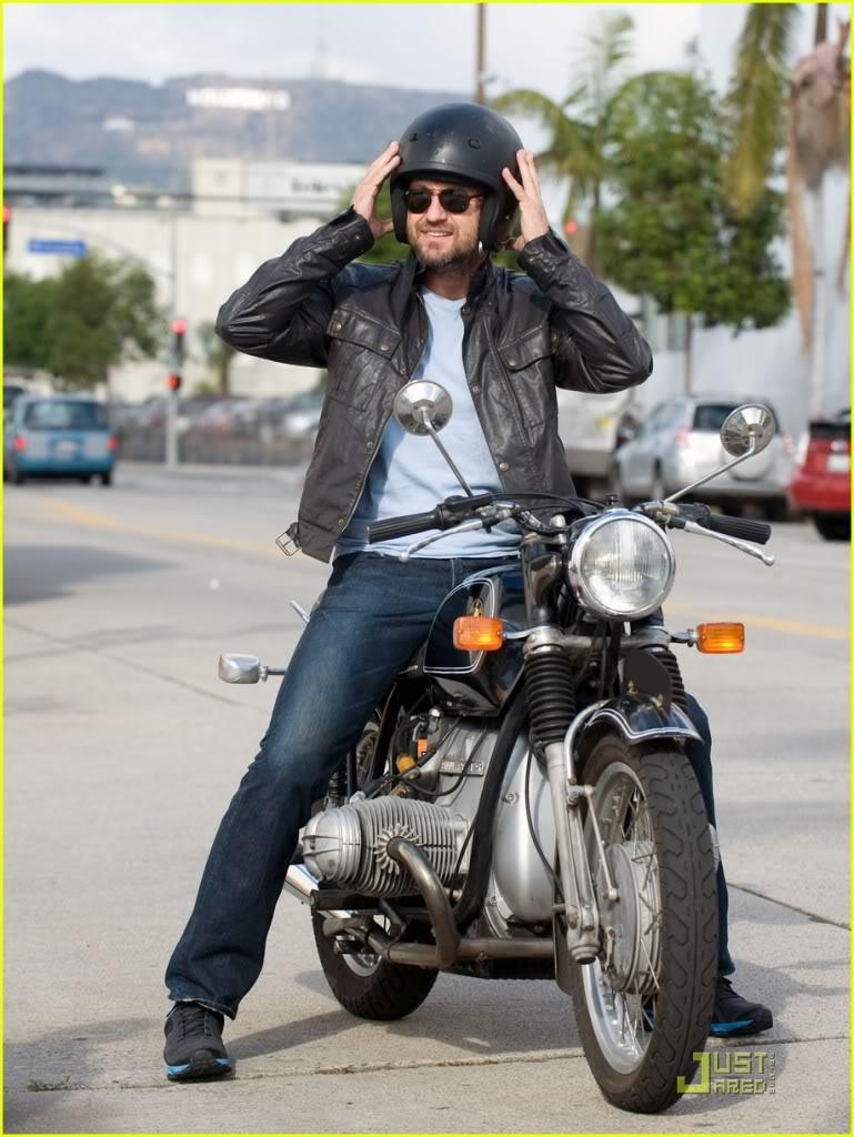 Gerard Butler: Motorcycle Man Gerard-butler-motorcycle-05