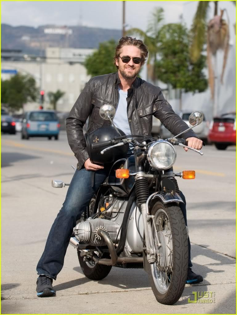 Gerard Butler: Motorcycle Man Gerard-butler-motorcycle-06