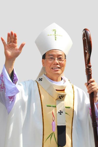 TGM Giuse Ngô Quang Kiệt lên tiếng về bản Kiến nghị sửa đổi Hiến pháp 1992  01_zps2795aeab