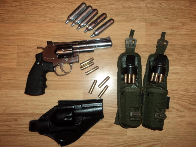 pachet revolver Dan Wesson 4'' DSC03892