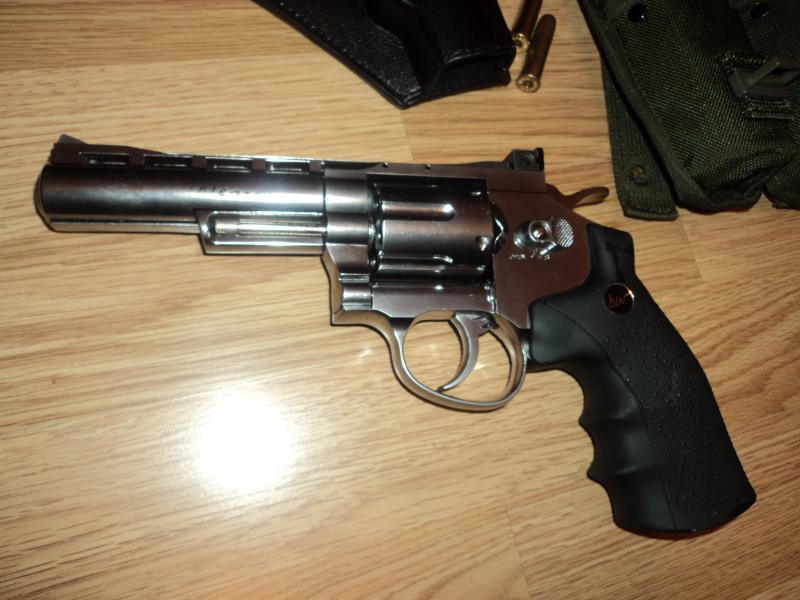 pachet revolver Dan Wesson 4'' DSC03894