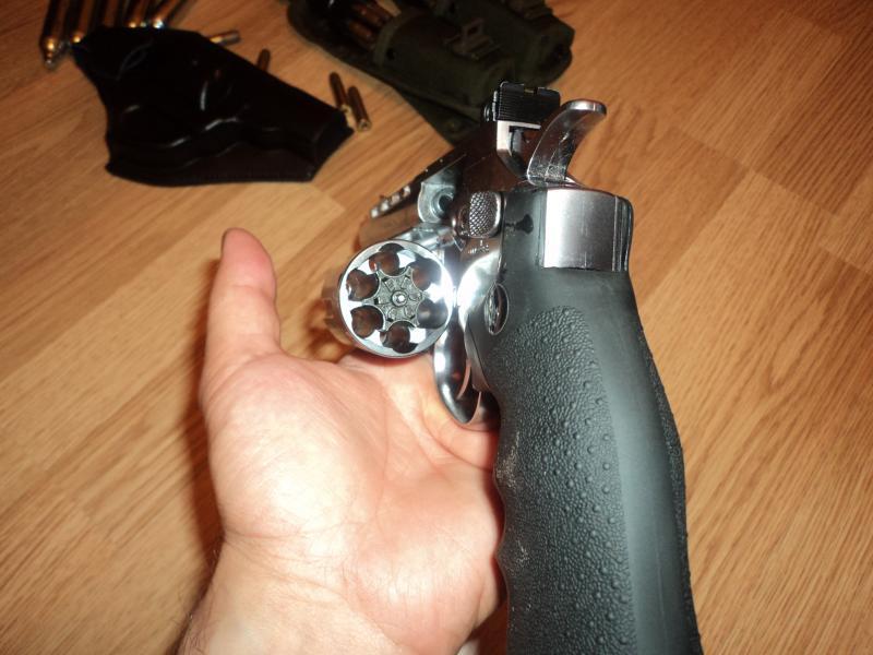 pachet revolver Dan Wesson 4'' DSC03895