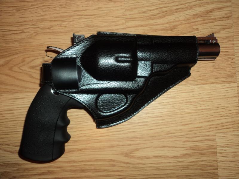 pachet revolver Dan Wesson 4'' DSC03897