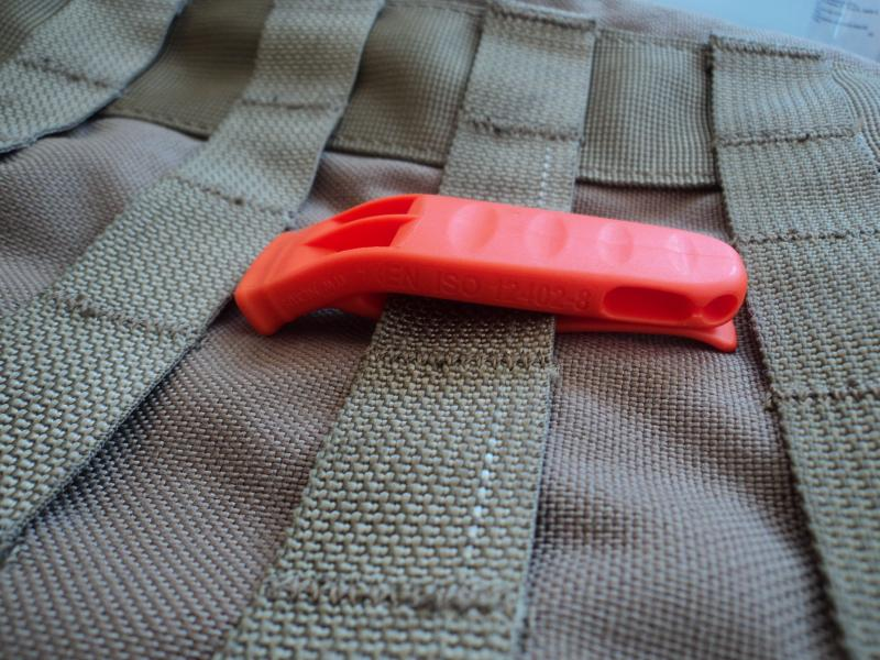Whistle (fluier) survival ITW Nexus DSC03903