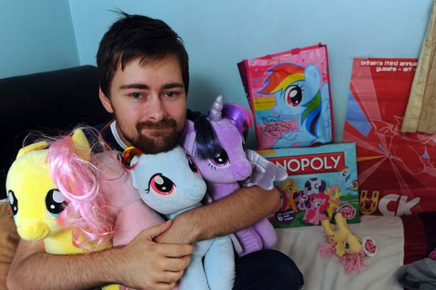 Masculinité  My-Little-pony-collector-Alan-Thomas