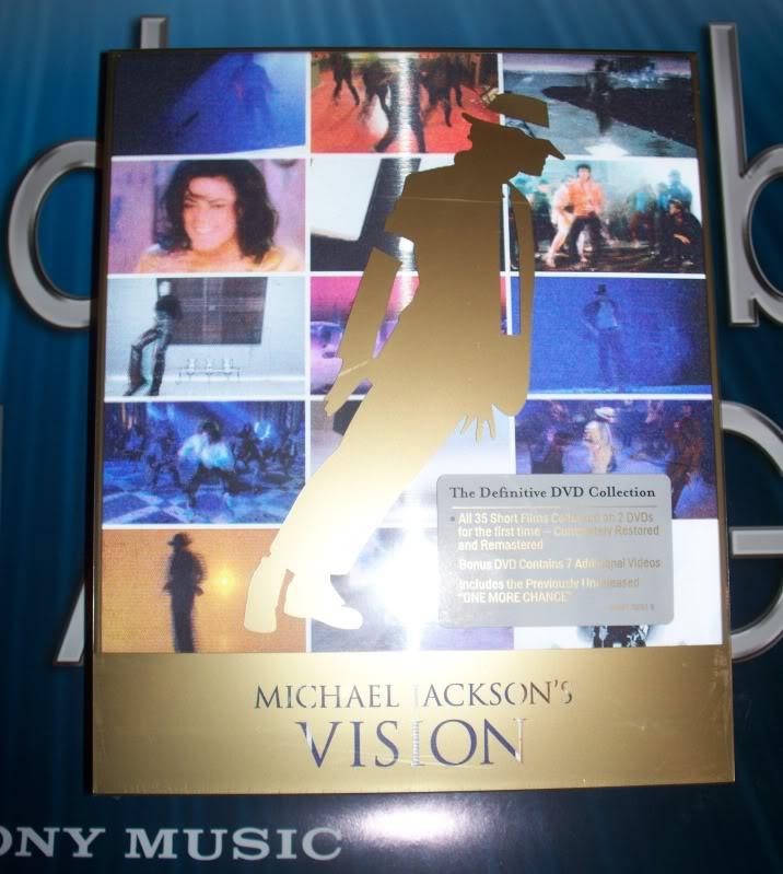 """Il 22 Novembre uscirà un cofanetto di MJ: """"Vision"""" - Pagina 10 100_5294"""