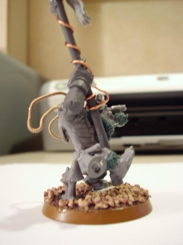 Les figurines qui vont bien pour les yeux et les idées - Page 2 PB090017
