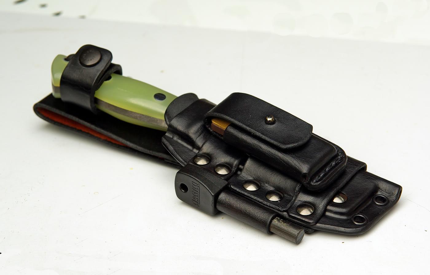Sierra, hacha y cuchillo, la alternativa lógica a un único cuchillo grande BRKTBravo-1technicalsheath01
