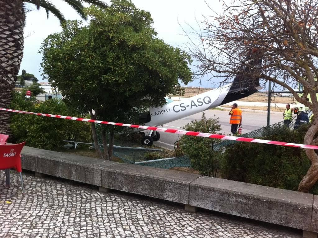 Acidente com Cessna em Portugal IMG_2352