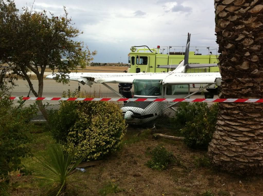 Acidente com Cessna em Portugal IMG_2353