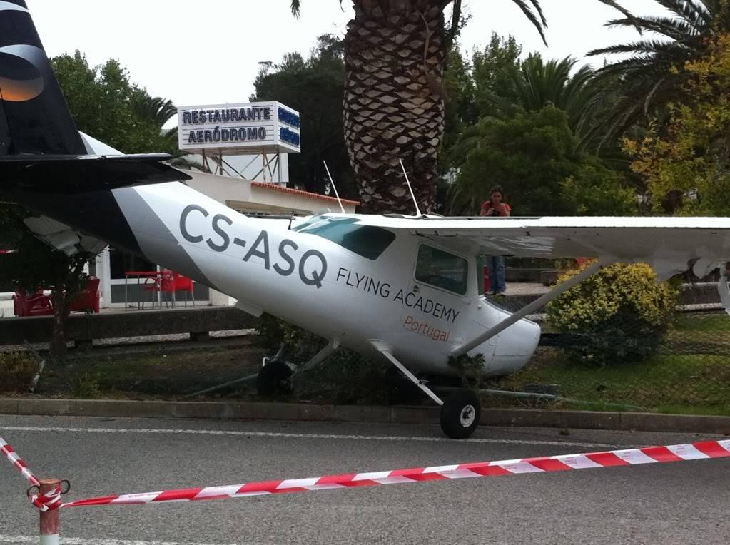 Acidente com Cessna em Portugal IMG_2358