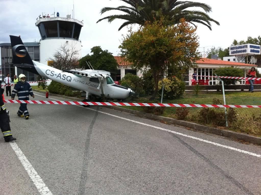 Acidente com Cessna em Portugal IMG_2361